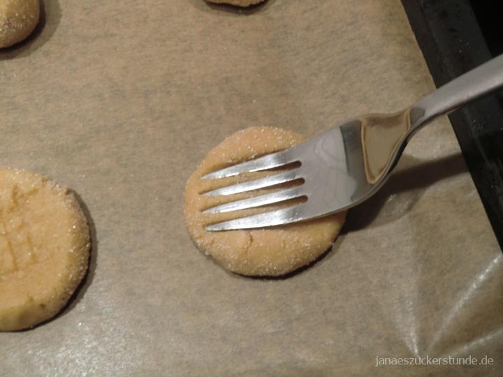 Muster mit Gabel für Erdnussbutter Cookies