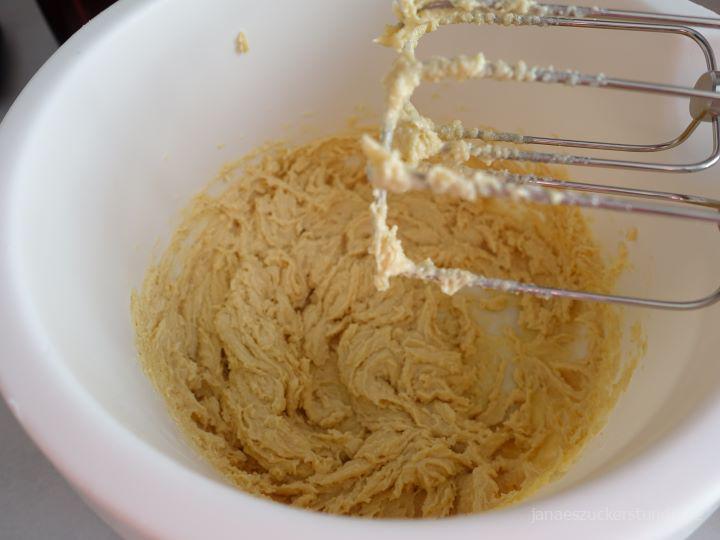 Butter und Zucker Mischung für Himbeer Fruchtriegel